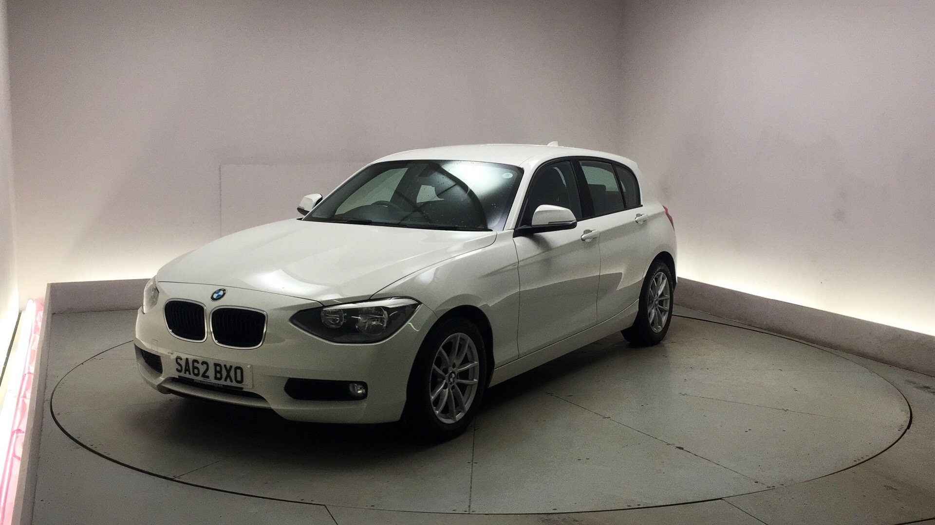 used bmw 1 series 116d efficientdynamics 5dr white sa62bxo swindon. Black Bedroom Furniture Sets. Home Design Ideas