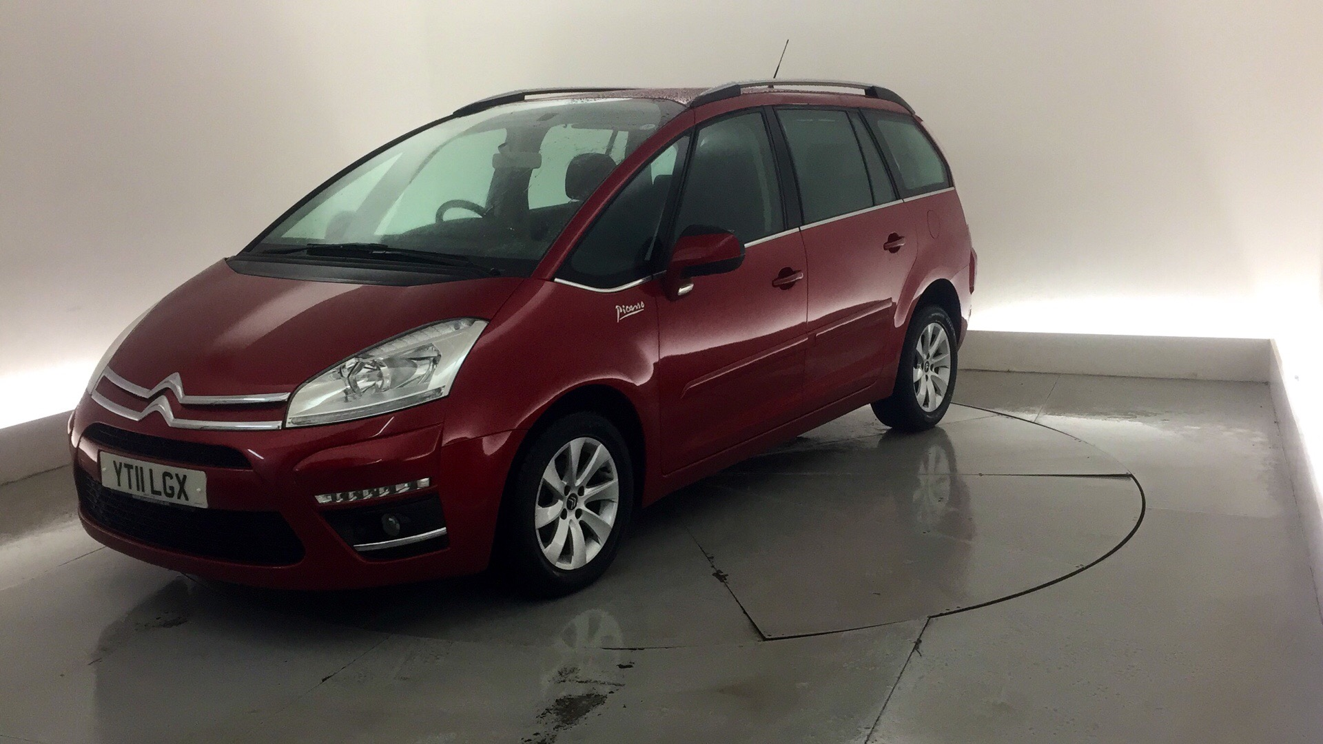 used citroen c4 grand picasso 1 6 hdi vtr 5dr red yt11lgx swindon. Black Bedroom Furniture Sets. Home Design Ideas