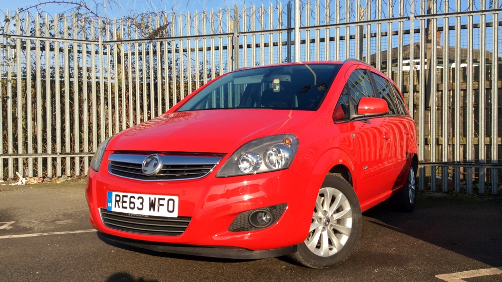 used vauxhall zafira 1 7 cdti ecoflex design nav 110 7 seats 5 doors mpv for sale in hull. Black Bedroom Furniture Sets. Home Design Ideas