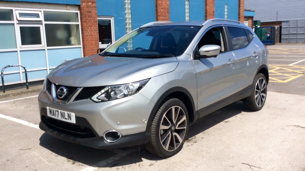 nissan qashqai 1 5 dci tekna non panoramic 5dr diesel hatchback 2017 ma17nln in stock. Black Bedroom Furniture Sets. Home Design Ideas