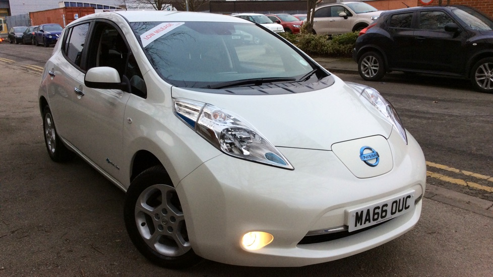 Nissan Leaf Acenta 30kW Electric Automatic 5 door Hatchback (2016) image