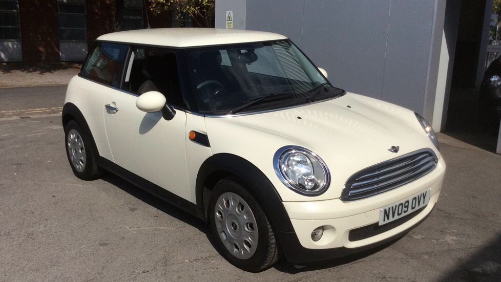 Mini Hatchback 1.4 One 3dr Hatchback (2009) image