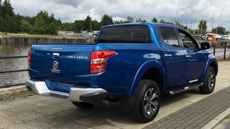 Fiat Fullback Double Cab LX 180 Fully Loaded with Delivery Miles and a MASSIVE saving on List Price image 4
