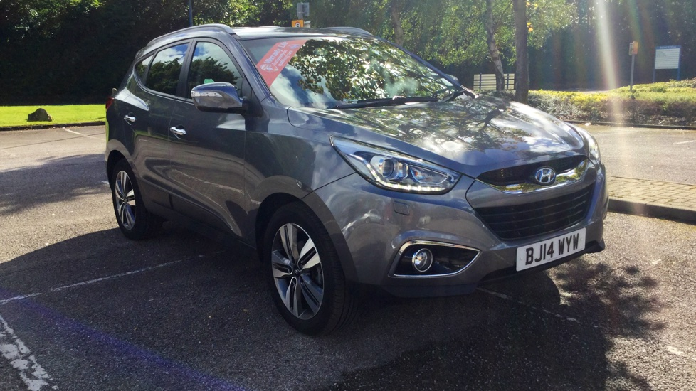 Hyundai IX35 2.0 CRDi Premium with Satellite Navigation and Rear View Camera/Park Sensors Diesel Automatic 5 door Estate (2014) image