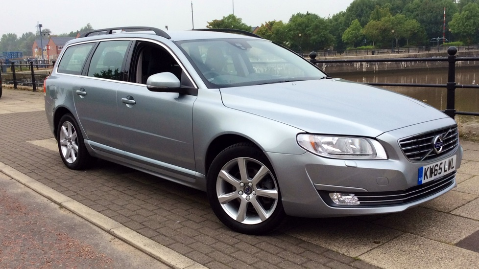 Volvo V70 D3 [150] SE Nav Geartronic with Leather and Winter Pack 2.0 Diesel Automatic 5 door Estate (2015) image