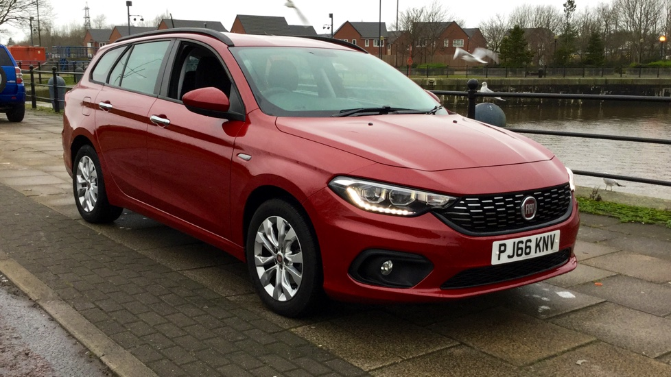 fiat tipo 1 6 multijet easy plus demonstrator vehicle excellent saving diesel 5 door estate. Black Bedroom Furniture Sets. Home Design Ideas