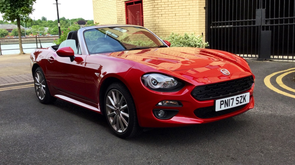 Fiat 124 Spider Multiair Lusso Demonstrator Vehicle - Excellent Saving 1.4 2 door Convertible (2017) image
