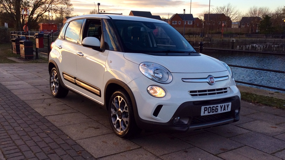 Fiat 500L 1.3 Multijet 95 Trekking Demonstrator Vehicle - Excellent Saving 1.2 Diesel 5 door Hatchback (2016) image
