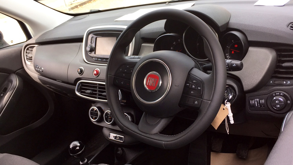 Fiat 500X 1.6 Multijet Cross with Cruise Control and Bluetooth image 3