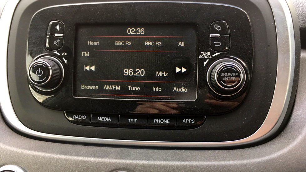 Fiat 500X 1.6 Multijet Cross with Cruise Control and Bluetooth image 18