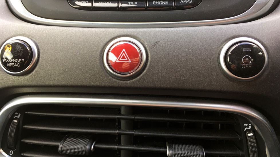 Fiat 500X 1.6 Multijet Cross with Cruise Control and Bluetooth image 19