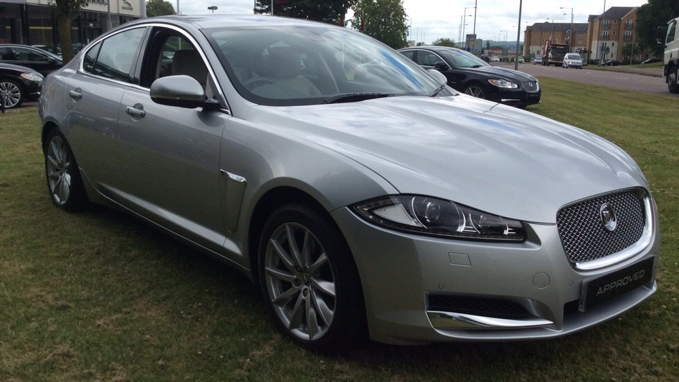 Jaguar XF 2.2 Premium Luxury 4Dr Auto Diesel 190 PS  Diesel Automatic 4 door Saloon (2011) image