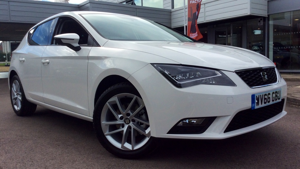 SEAT Leon 1.6 TDI 110PS SE Dynamic Technology with SAT NAV, Cruise Control and DAB Radio Diesel 5 door Hatchback (2016) image