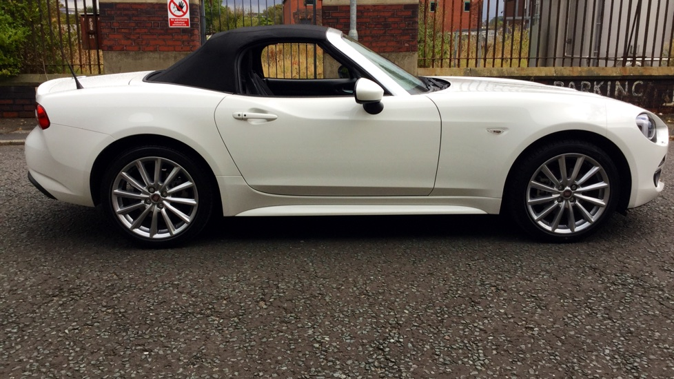 fiat 124 spider 1 4 multiair lusso plus 2dr convertible 2016 mf66bcz in stock used fiat. Black Bedroom Furniture Sets. Home Design Ideas