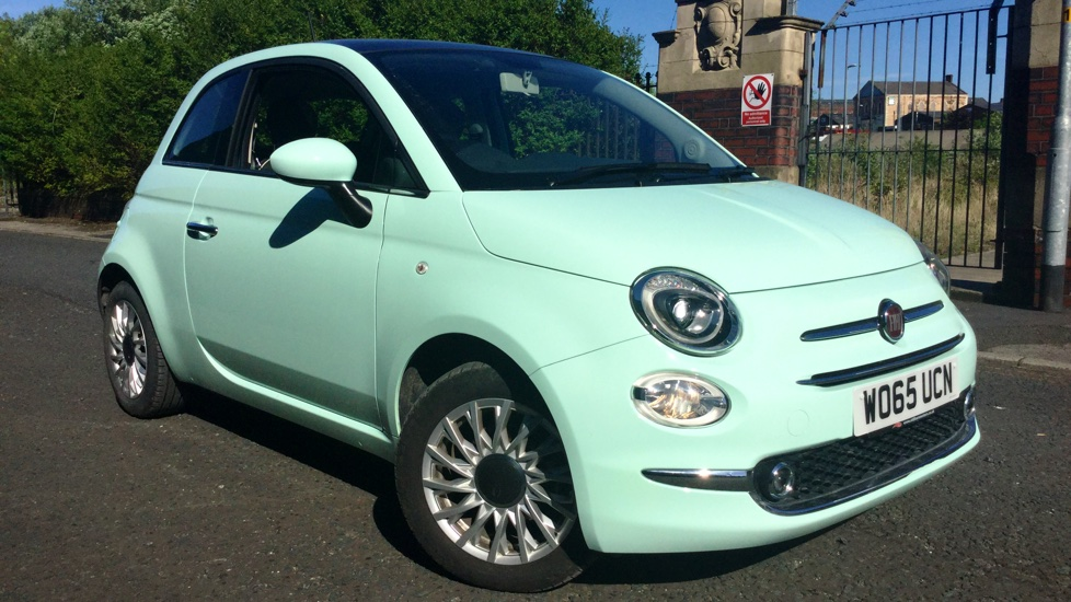 Fiat 500 1.2 Lounge Facelift Model with Rear Park Assist and LED's 3 door Hatchback (2015) image