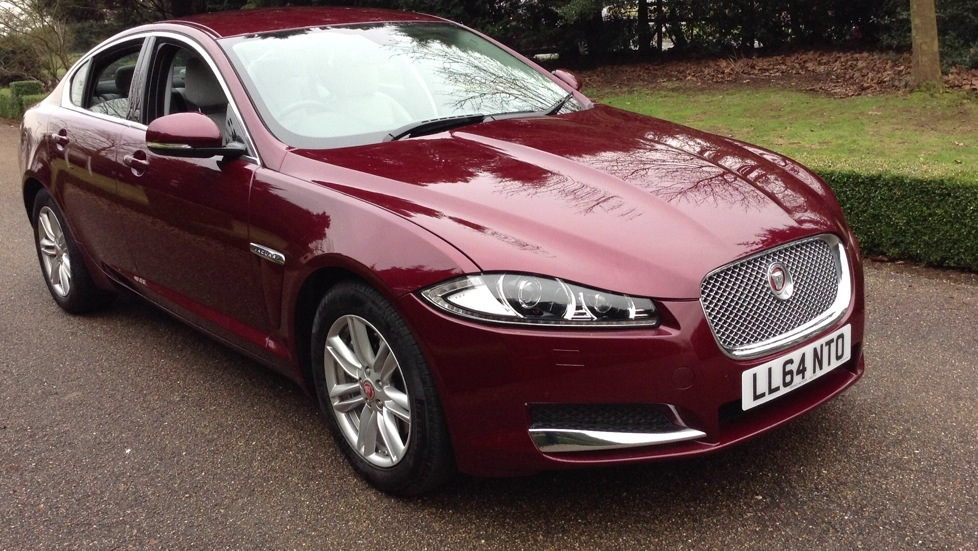Jaguar XF 2.2 (200) LUXURY Diesel Automatic 4 door Saloon (2015) image