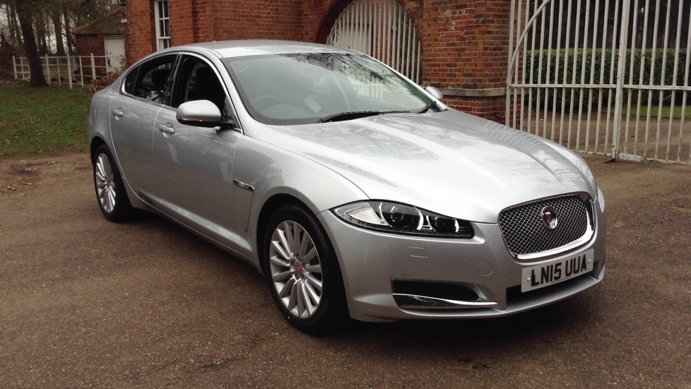 Jaguar XF LUXURY 2.2 Diesel Automatic 4 door Saloon (2015) image