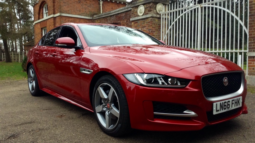 jaguar xe 180 r sport diesel automatic 4 door saloon 2017 ln66fhk in stock jaguar. Black Bedroom Furniture Sets. Home Design Ideas