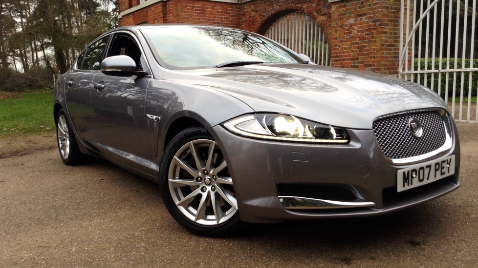 Jaguar XF 2.2d [200] Premium Luxury Diesel Automatic 4 door Saloon (2013) image