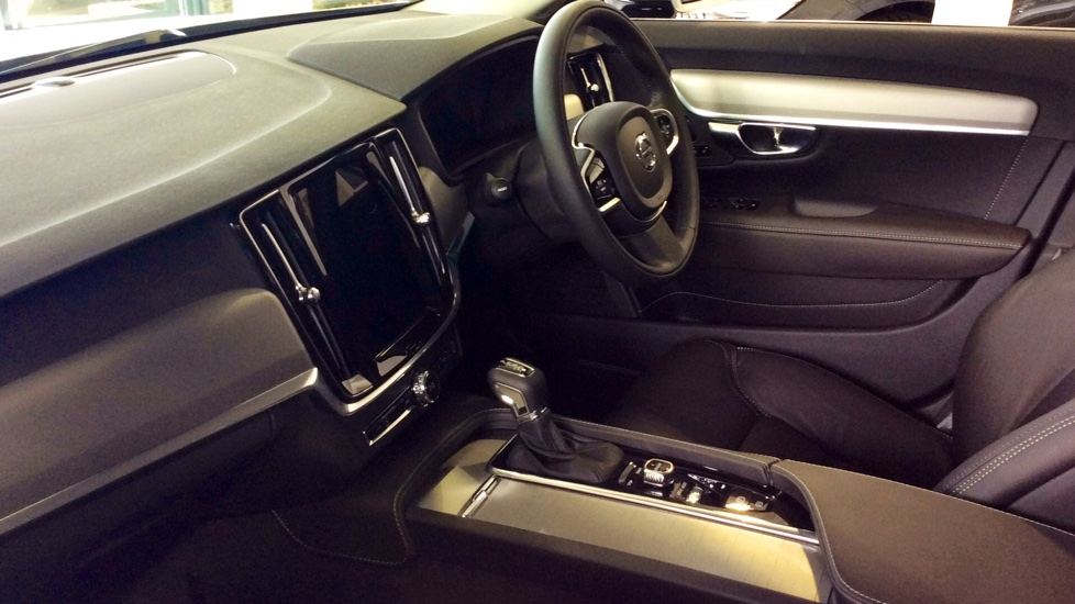Volvo S90 2.0 D5 PowerPulse Inscription 4dr AWD Geartronic with Huge savings from New List image 7