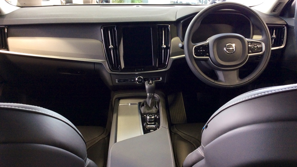 Volvo S90 2.0 D5 PowerPulse Inscription 4dr AWD Geartronic with Huge savings from New List image 13