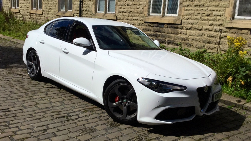 Alfa Romeo Giulia 2.2 JTDM-2 180 Speciale with Convenience Park, Sat Nav & Parking Sensors 2.1 Diesel Automatic 4 door Saloon (2017) image