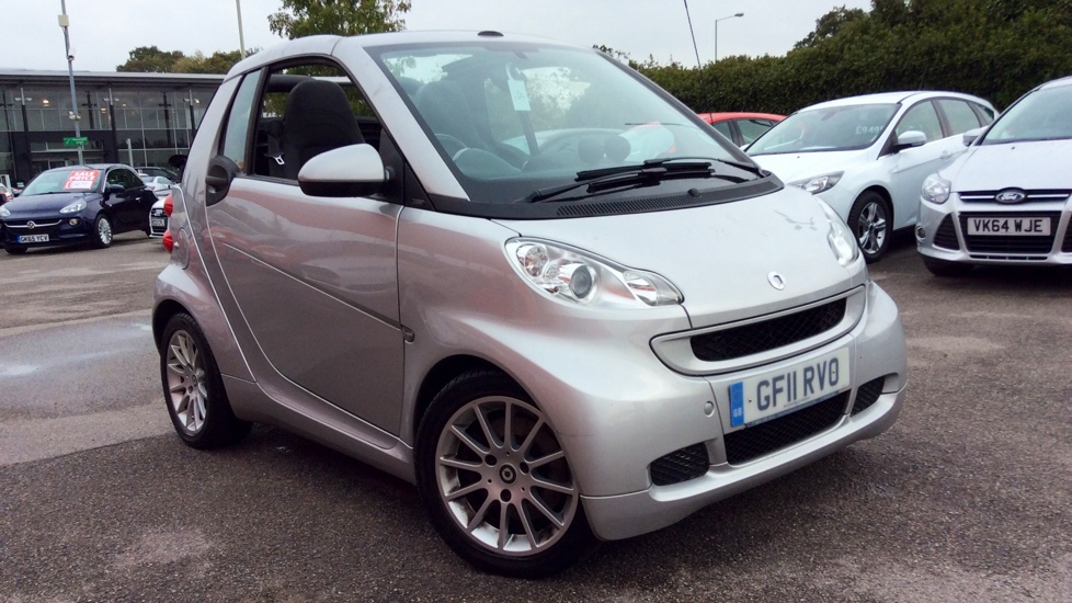 Smart fortwo CDI Passion 2dr Softouch [2010] 0.8 Diesel Automatic 3 door Cabriolet (2011) image