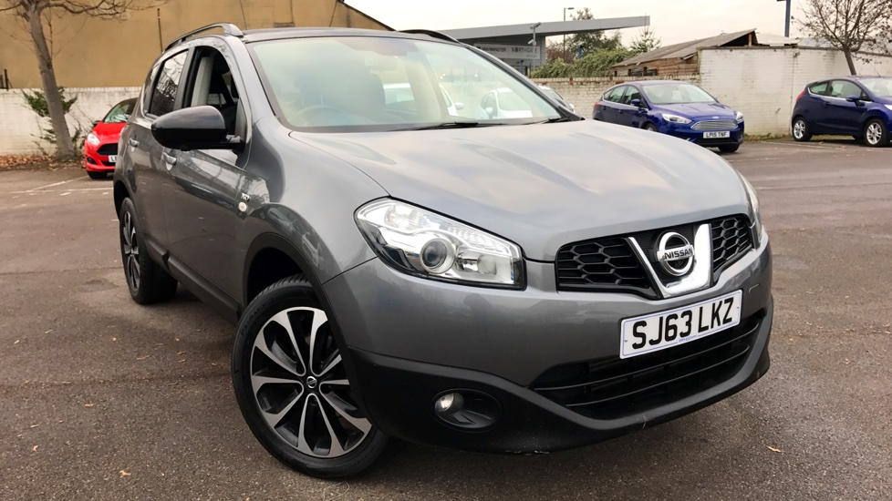 nissan qashqai 1 5 dci 110 360 5dr diesel hatchback 2013 sj63lkz in stock used nissan. Black Bedroom Furniture Sets. Home Design Ideas