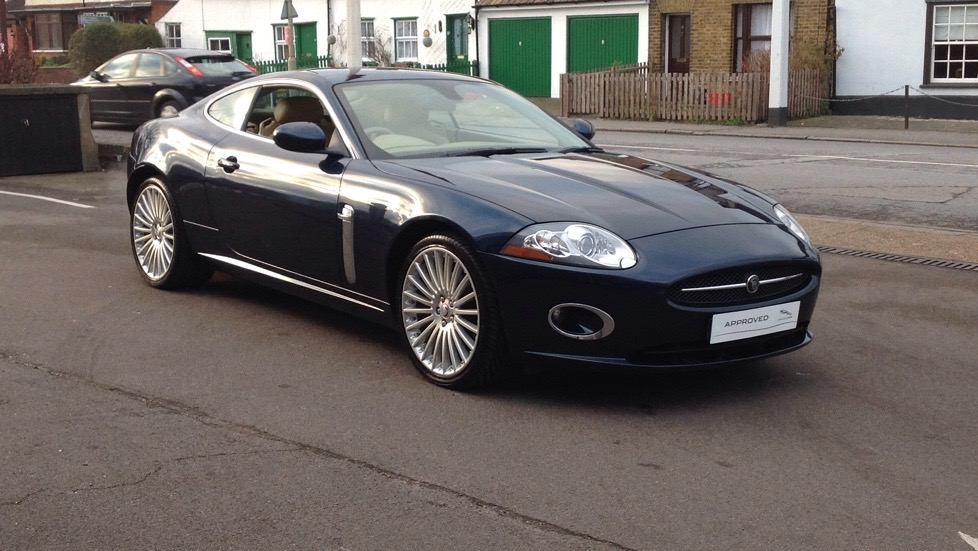 Jaguar XK V8 Low miles 4.2 Automatic 3 door Coupe (2008) image