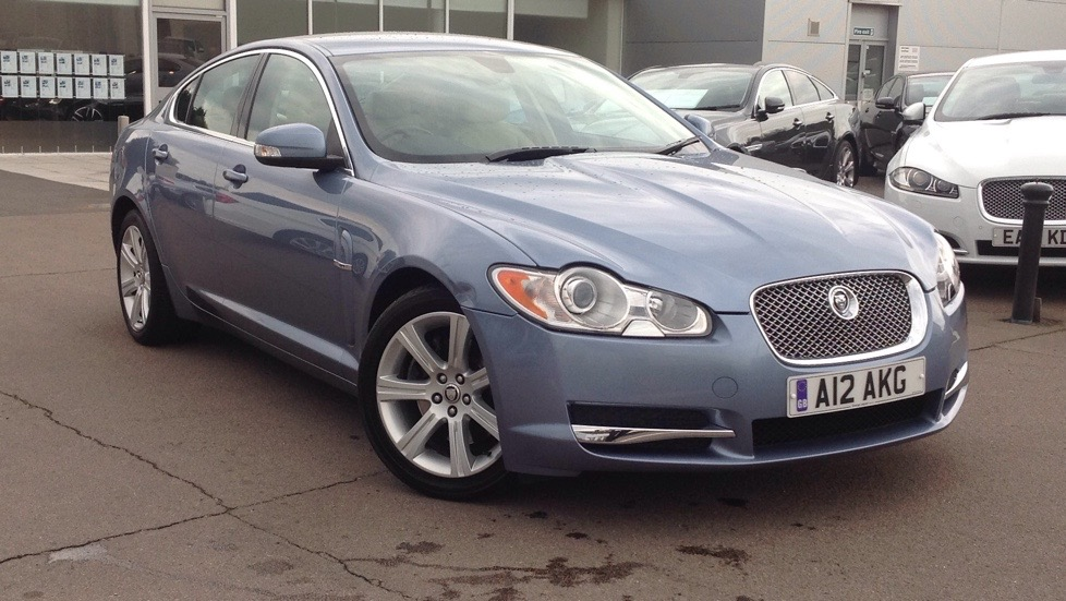 Jaguar XF Luxury Low miles Upgraded alloys  2.7 Diesel Automatic 4 door Saloon (2009) image
