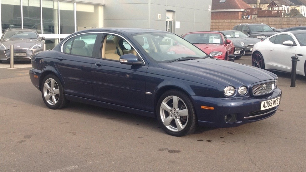 Jaguar X-Type SE Low miles 2.2 Diesel Automatic 4 door Saloon (2010) image