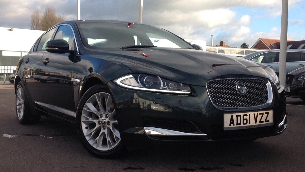 Jaguar XF Luxury Sunroof & Upgraded Alloys 2.2 Diesel Automatic 4 door Saloon (2012) image