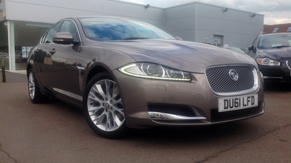 Jaguar XF 2.2d Premium Luxury Diesel Automatic 4 door Saloon (2012) image