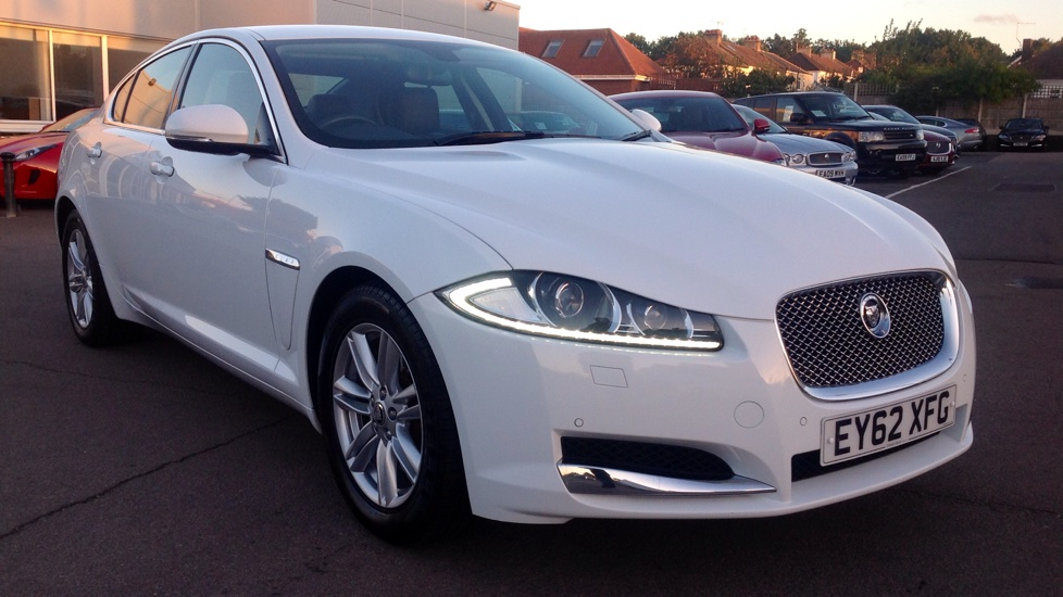 Jaguar XF 2.2d [163] SE Business Diesel Automatic 4 door Saloon (2012) image