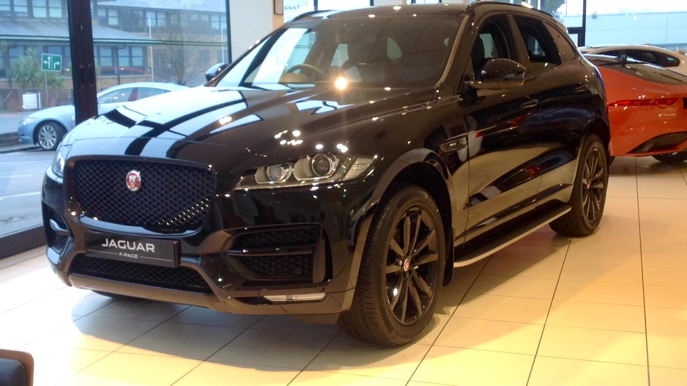 Jaguar F-PACE Stock cars available Immediately with all models available for early delivery.  2.0 Diesel Automatic 5 door 4x4 (2020)