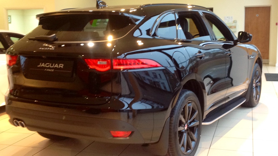 jaguar f pace stock cars available immediately with all models available for early delivery 2 0. Black Bedroom Furniture Sets. Home Design Ideas