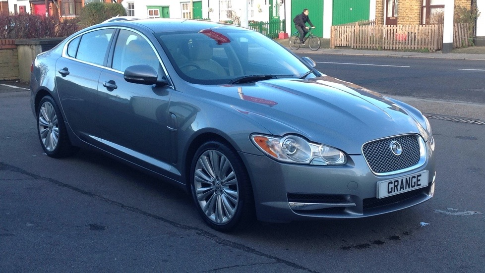 Jaguar XF 3.0d V6 Premium Luxury Diesel Automatic 4 door Saloon (2011) image