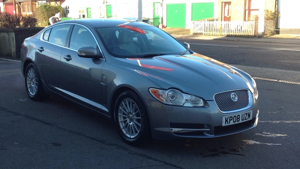 Jaguar XF 2.7d Luxury  Diesel Automatic 4 door Saloon (2009) image