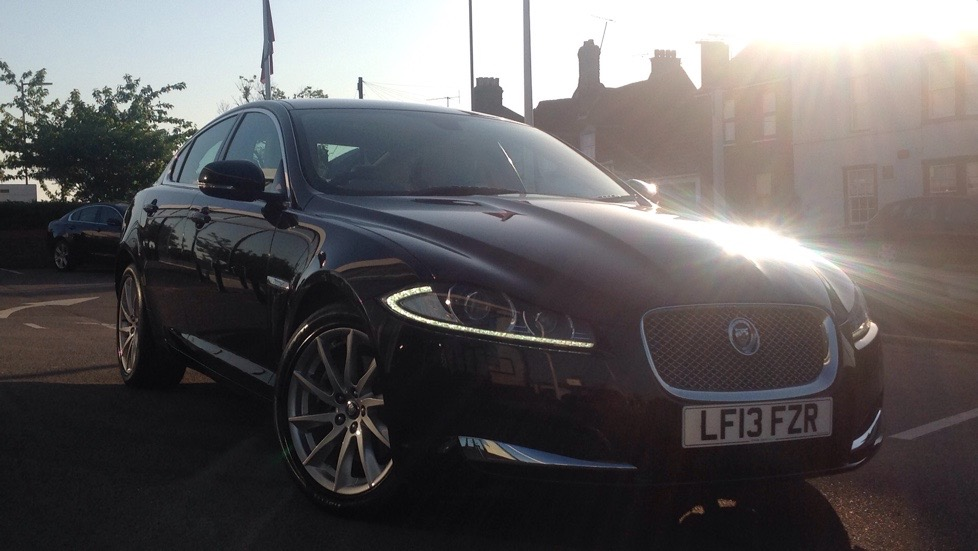 Jaguar XF [200] Premium Luxury Low Miles 2.2 Diesel Automatic 4 door Saloon (2013) image