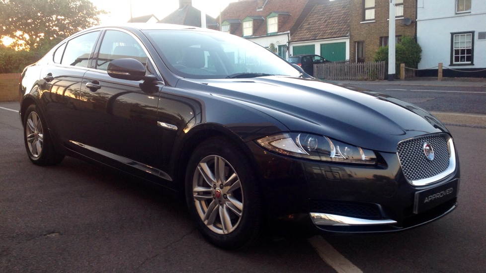 Jaguar XF 3.0d V6 Luxury [Start Stop] Diesel Automatic 4 door Saloon (2014) image