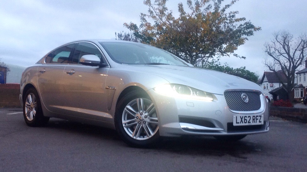 Jaguar XF [190] Luxury Great Value 2.2 Diesel Automatic 4 door Saloon (2012) image