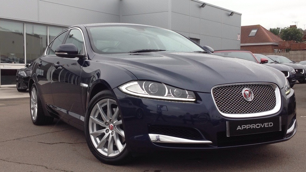 Jaguar XF V6 Premium Luxury [Start Stop] 3.0 Diesel Automatic 4 door Saloon (2014) image