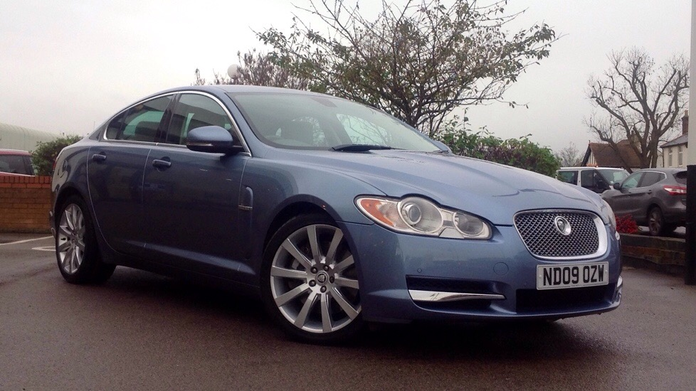 Jaguar XF Premium Luxury  3.0 Diesel Automatic 4 door Saloon (2009) image