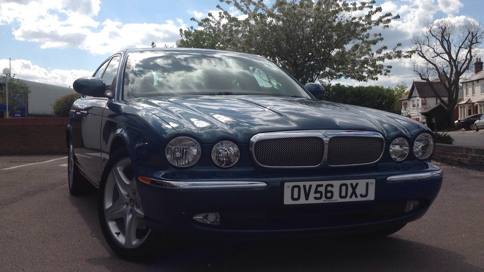 Jaguar XJ V6 Executive Sat Nav 3.0 Automatic 4 door Saloon (2006) image