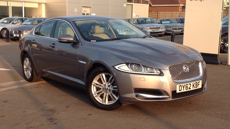 Jaguar XF 3.0 V6 Luxury Diesel Automatic 4 door Saloon (2012) image