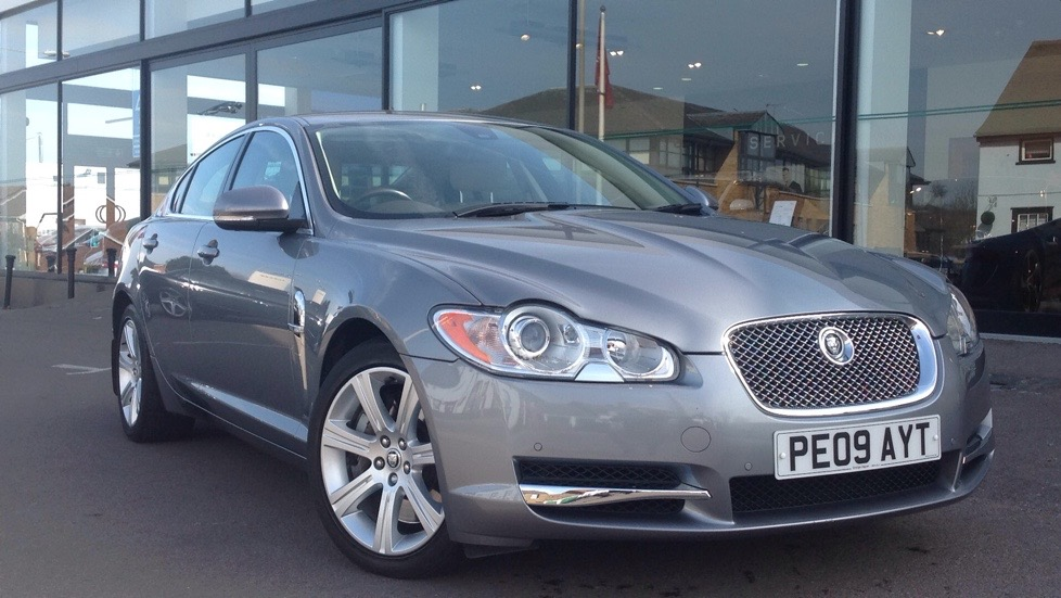 Jaguar XF Luxury  3.0 Diesel Automatic 4 door Saloon (2010) image