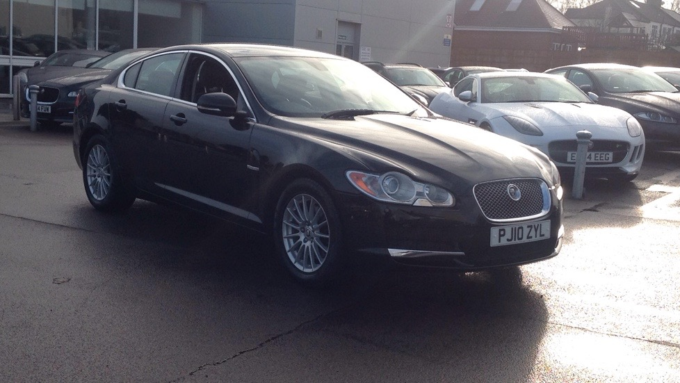 Jaguar XF 3.0 V6 Luxury Petrol Automatic 4 door Saloon (2011) image