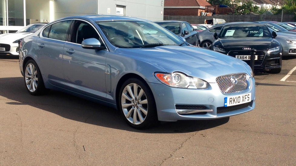 Jaguar XF 3.0d V6 S Luxury Diesel Automatic 4 door Saloon (2010) image
