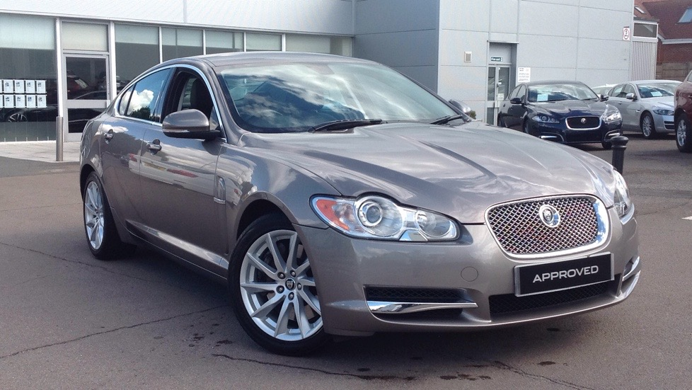 Jaguar XF Luxury 4dr Great Colour 3.0 Diesel Automatic Saloon (2010) image