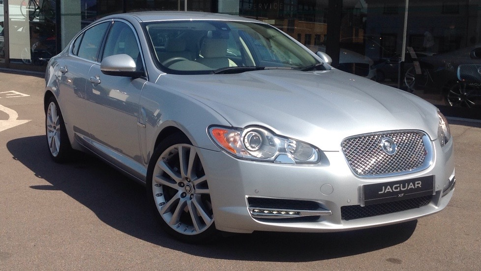 Jaguar XF Premium Luxury High Spec 3.0 Diesel Automatic 4 door Saloon (2010) image
